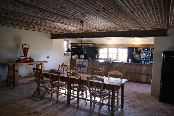 Rénovation d'une habitation en ruine à Frasnes au départ de matériaux de récupérations (carrelages,...) et enduit à la chaux