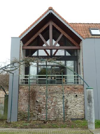 Transformation d'un bâtiment inoccupé depuis 25 ans en habitation - Tournai centre